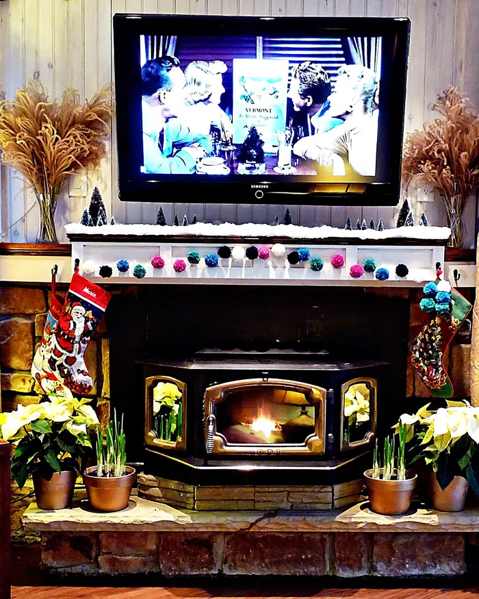 Christmas Mantel Decorated OurLakeLife