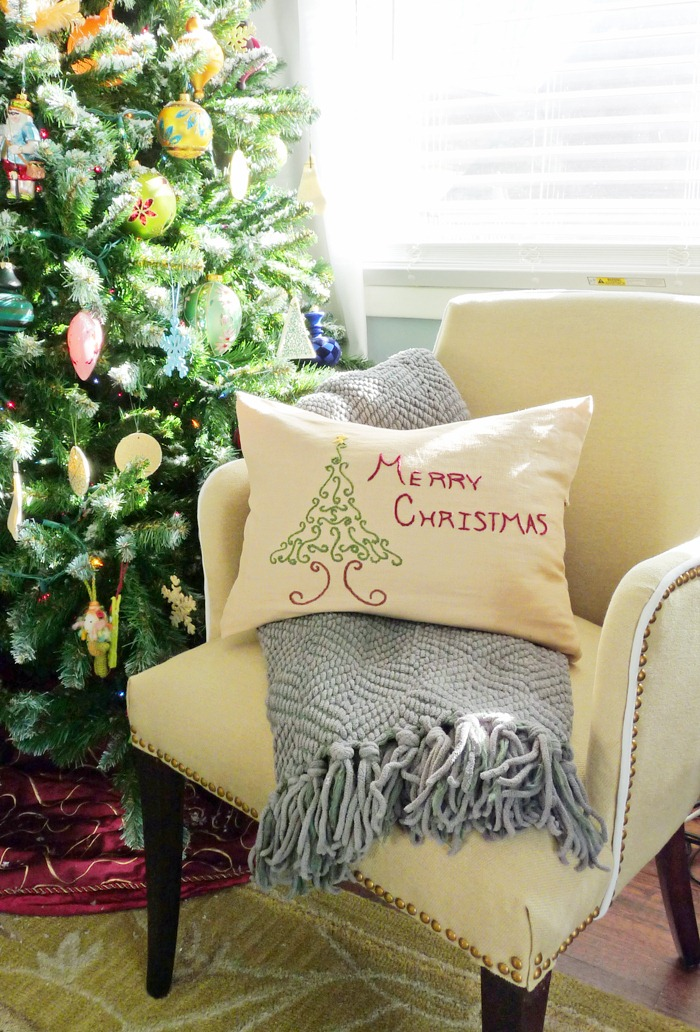 DIY Embroidered Christmas Pillow 6